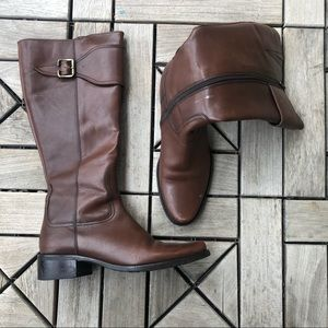 Clarks Brown Boots Size 7M